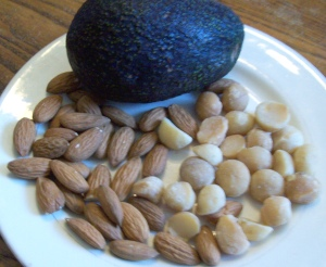 Great foods for a low-carb diet (part 1): almonds, avocados, macadamias